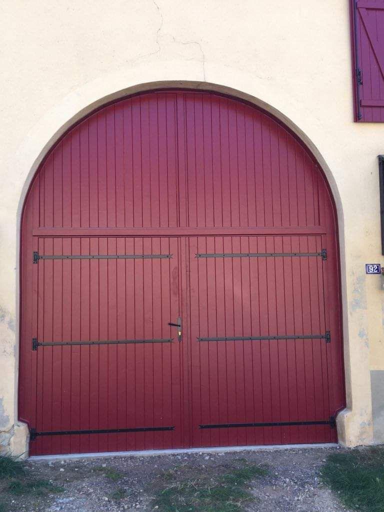 Porte bois deux vantaux